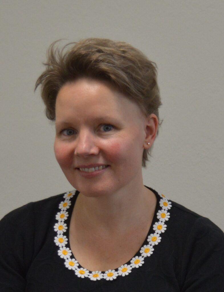 Portræt af Psykolog Astrid Sternke. Autoriseret psykolog, specialist og supervisor. Klinik i Middelfart